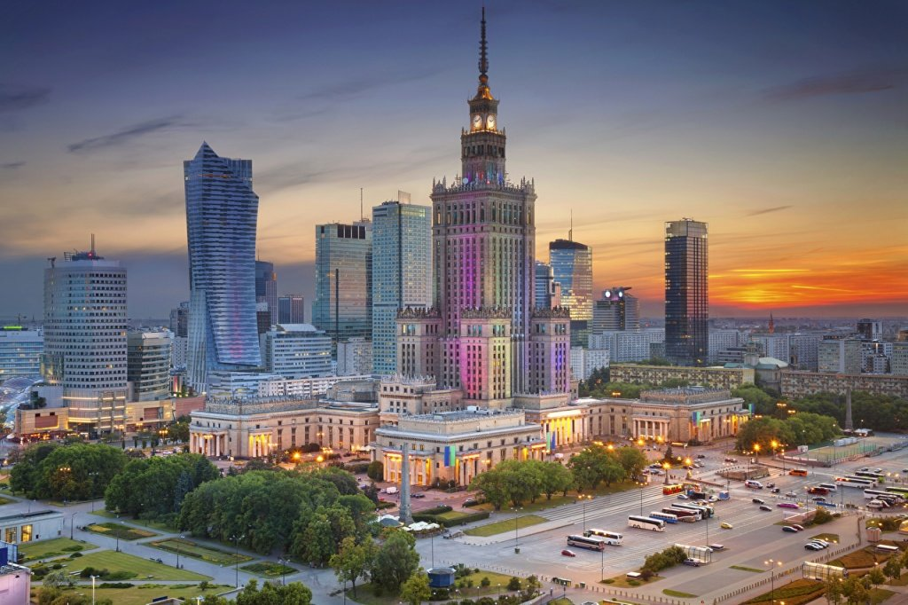 Warsaw_Poland_Houses_Evening_512709_1280x853.jpg